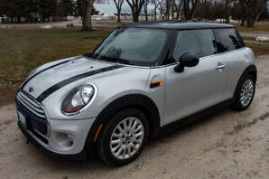 2015 MINI Cooper, Sunroof, Heated Leather, 2 sets of tires