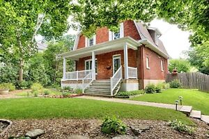 Beatiful Renovated House in the Heart of Aylmer