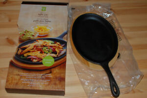 Oval Griddle Seasoned Cast Iron Fajita Skillet