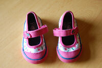 Assorted baby girl's shoes $2 each
