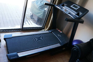 Full Size NordicTrack Elite XT Treadmill with TV monitor