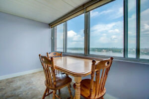 High rise breathtaking view on river and Parliament condo rent