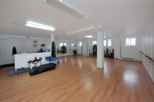 Great commercial space on Sherbrooke, perfect for office or gym!