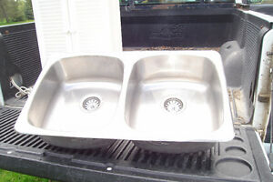 Double stainless kitchen sink