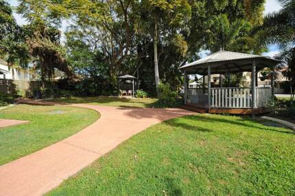 ***FREE CARTON OF BEER*** when you purchase this unit Beerburrum Caloundra Area Preview