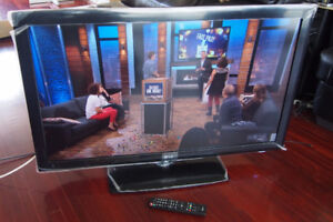 """42"""" LG 1080p LCD TV for sale"""