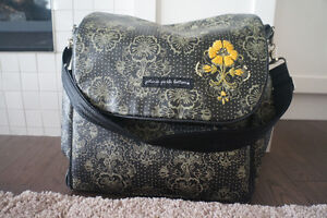 ** PETUNIA PICKLE BOTTOM Boxy Backpack Diaper Bag ** Windsor Region Ontario image 1