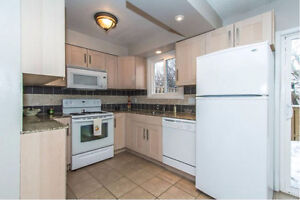 3 Bedroom Town House - Clean and Bright
