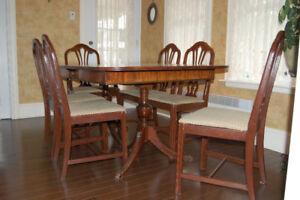 Set de salle à manger style Louis XV