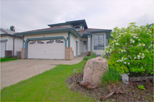 INCREDIBLY MAINTAINED OPEN CONCEPT in JACKSON HEIGHTS!!