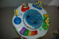 LEAP FROG - GROOVE AND LEARN ACTIVITY STATION