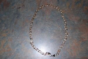 Gold Necklace Cornwall Ontario image 1