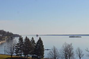 Brockville, Water Front Luxury 3 Bedroom 1850 Sq Ft Condo & dock Kingston Kingston Area image 6