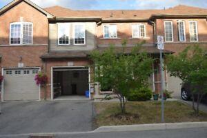 3+1 Bedroom 3 bath Town Home For Rent