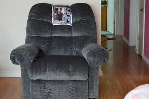 Power Lift Chair/REDUCED for quick sale