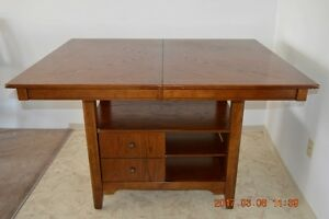 FOR SALE DINING TABLE