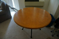 Round dining room/kitchen table