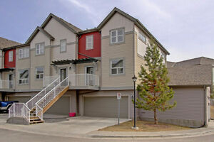 Gorgeous END UNIT Copperfield Townhome