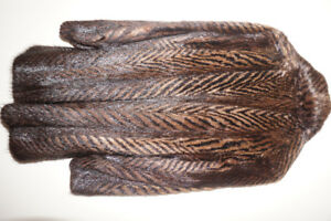 STRIPED FUR COAT  ,TOP GRATED , 1750 PIECES. 3/4