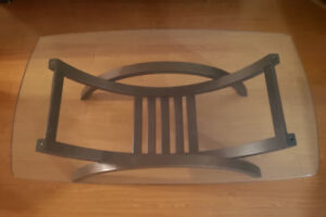 Excellent condition fashion coffee table $120