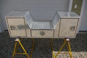 Westin V-Shape 5th Wheel or Goose Neck Aluminum Box
