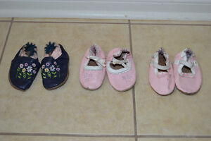 Robeez Slippers Size 6-12 months
