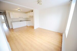 Bright 2 bedroom near metro AVAILABLE NOW