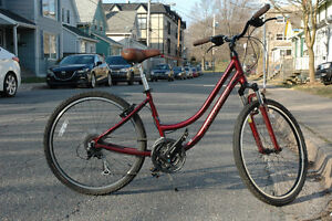 Beautiful Womens Norco Citadel bicycle FOR SALE ***like NEW***