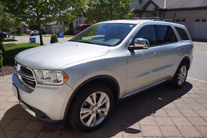 2011 Durango Crew+ Loaded! Leather, DVD, HEMI, TOW PKG, Sunroof!