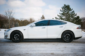 Tesla Model S P85 (fully loaded, 7 seater)