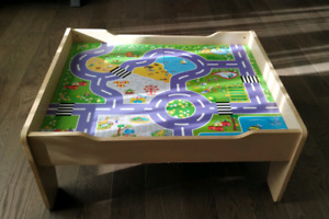 Play table, perfect for hot wheels cars or wooden train set