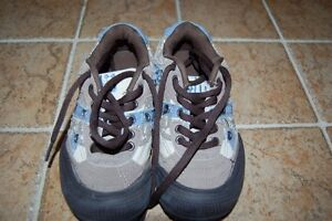 Souliers pour enfants en excellentes conditions