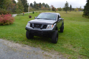2009 Nissan Frontier Pro-4X Pickup Truck