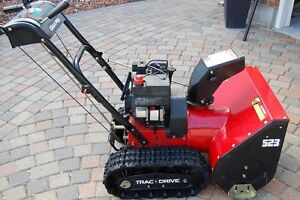 Canadian Outdoor Products - Grand Prix - GP523T Snow blower.