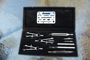 Drawing instruments set