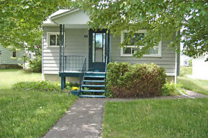"""NEW PRICE"" FOR THIS MOVE IN CONDITION BUNGALOW ID# 985610"