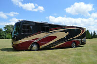 2006 Coachmen Cross Country SE 372 DS 39' Diesel Pusher.