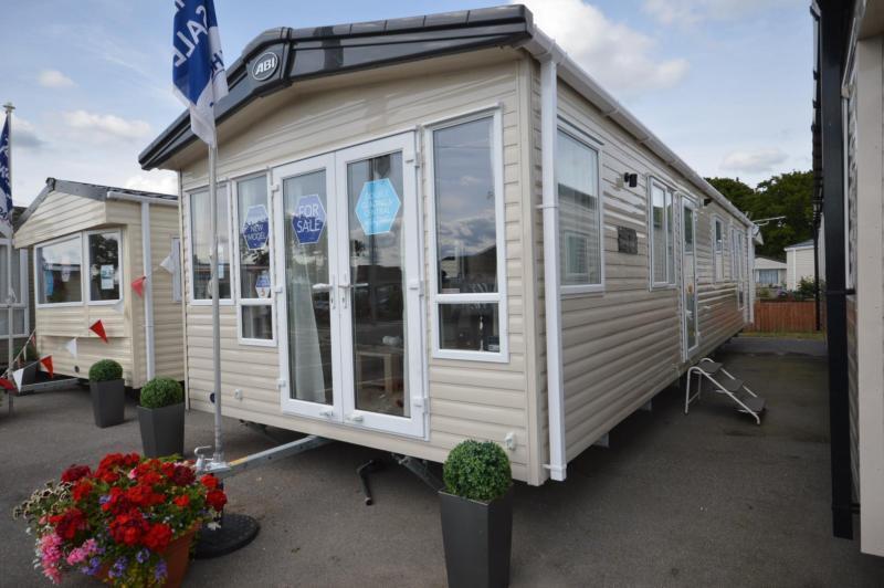 Static Caravan Nr Fareham Hampshire 3 Bedrooms 8 Berth ABI Sunningdale 2017