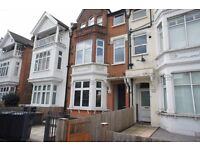 A period ground floor flat for rent in Streatham Hill