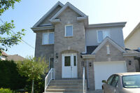 ♥♥Beautiful Quiet Upscale 4 bedroom Detached House Pierrefonds♥♥