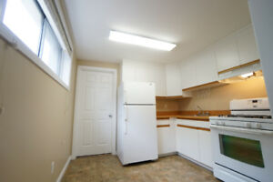 RARE FIND!ALLENDALE-BSMT-BIG WINDOW-NATURAL SUNLIGHT-1 BED 1BATH