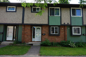 3 BR Townhouse - Bells Corners