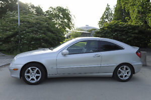 2002 Mercedes-Benz C-Class Luxury Package Coupe (2 door)