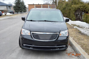 2016 Chrysler Town & Country Touring-L Minivan 4D