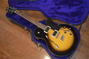 Yamaha AE 500 Archtop Acoustic Electric Guitar