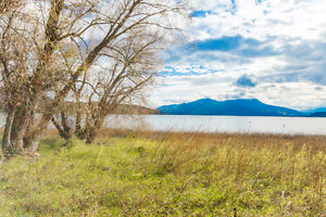 3700 Sunnybrae Canoe Point Road, Tappen - Lakefront acreage