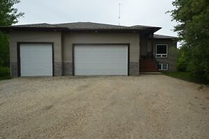 MUST SEE!Amazing 2018sq ft Custon Built Fully Developed Bungalow