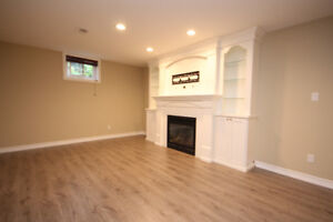 Large Renovated 2 Bedroom With Cozy Gas Fireplace In Great Area!