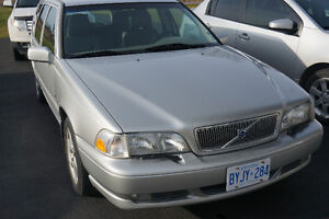 2000 Volvo S70 Wagon Saftied and Etested