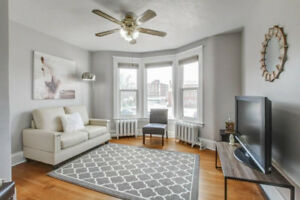 STUNNING, RENOVATED 2BR UNIT!!